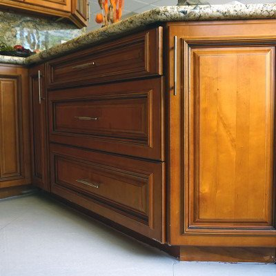 Wood cabinets in miami high quality kitchens miami for Kitchen cabinets hialeah