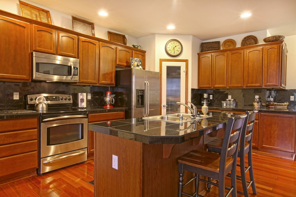 Best full kitchen remodeling choosing a kitchen cabinet for Full kitchen cabinets