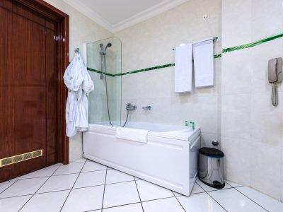 inexpensive bathroom remodel