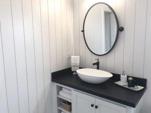 Modern Bathroom Vanity in South Miami